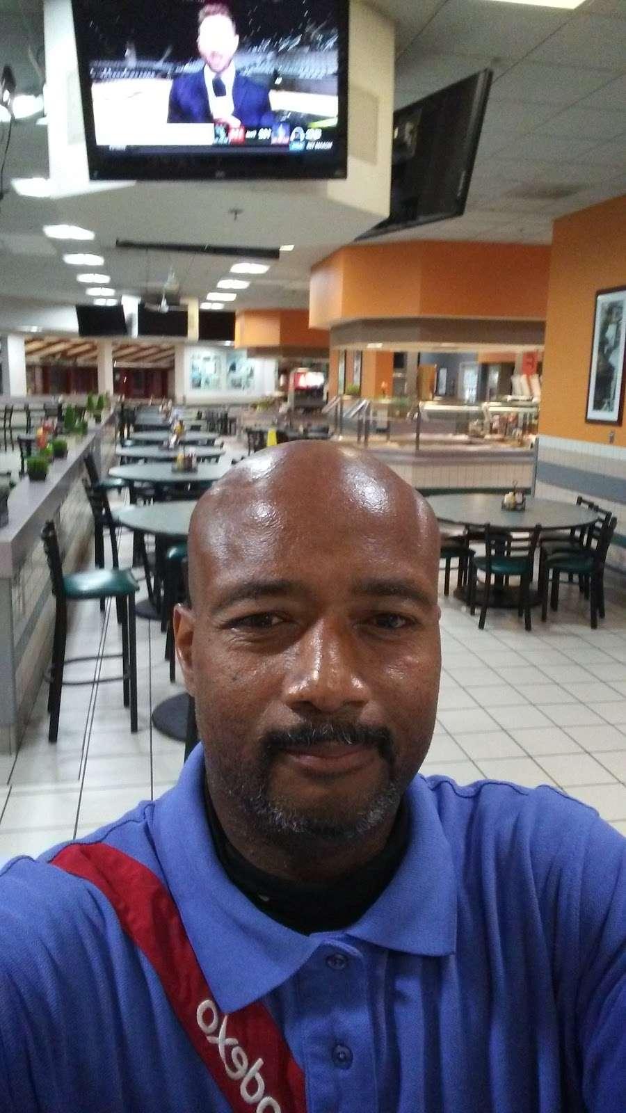 24 Area Messhall - restaurant  | Photo 2 of 8 | Address: Oceanside, CA 92058, USA