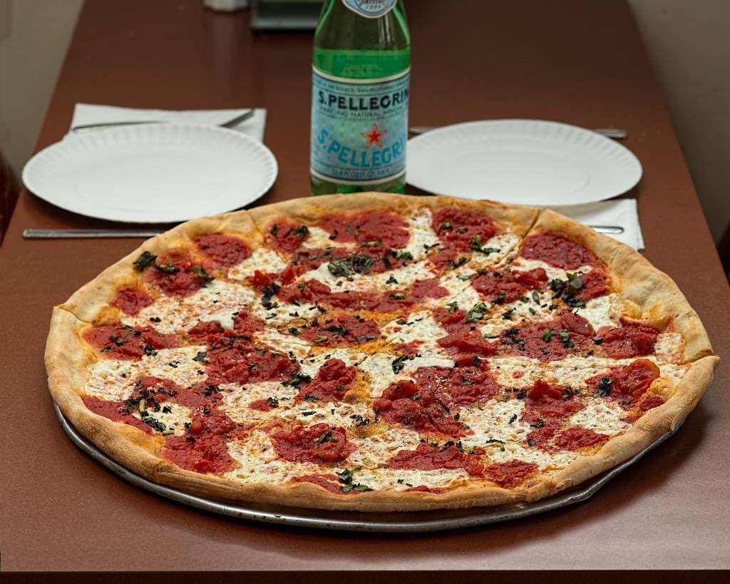 IL Forno Brick Oven Pizza - meal delivery  | Photo 2 of 10 | Address: 1536 Paterson Plank Rd, Secaucus, NJ 07094, USA | Phone: (201) 864-6576