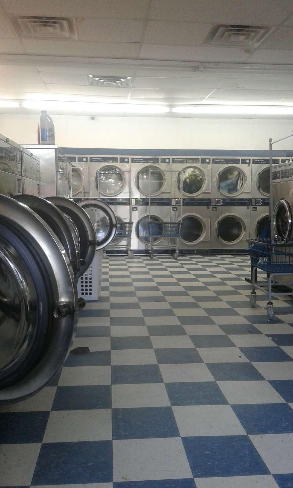 Huntersville Coin Laundry - laundry  | Photo 6 of 10 | Address: 14339 Hunters Rd, Huntersville, NC 28078, USA | Phone: (704) 875-0965