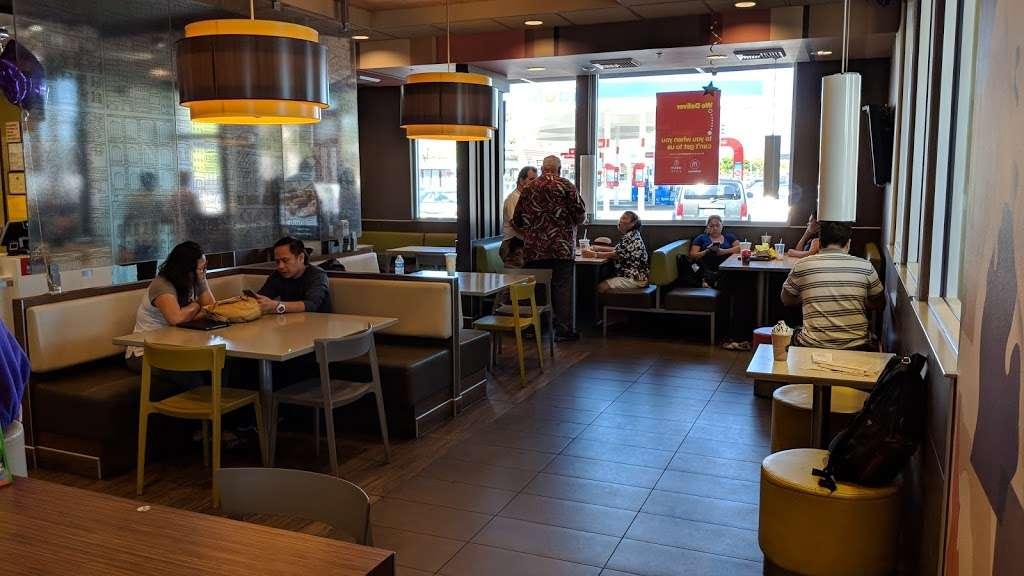 McDonalds - cafe  | Photo 3 of 10 | Address: 1419 W Redondo Beach Blvd, Gardena, CA 90247, USA | Phone: (310) 324-8619