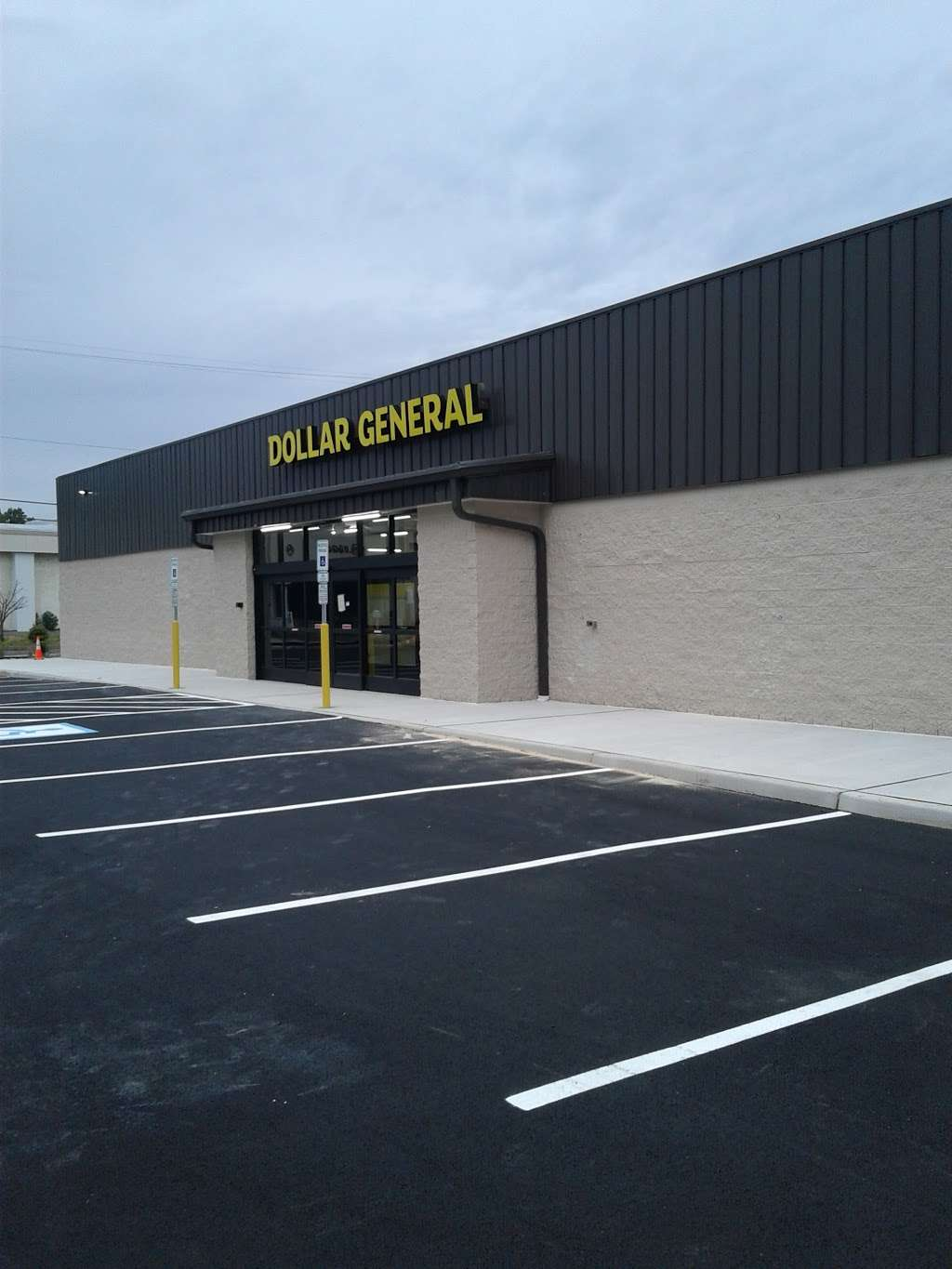 Dollar General - home goods store  | Photo 4 of 10 | Address: 500 White Horse Pike, Atco, NJ 08004, USA | Phone: (856) 322-2630