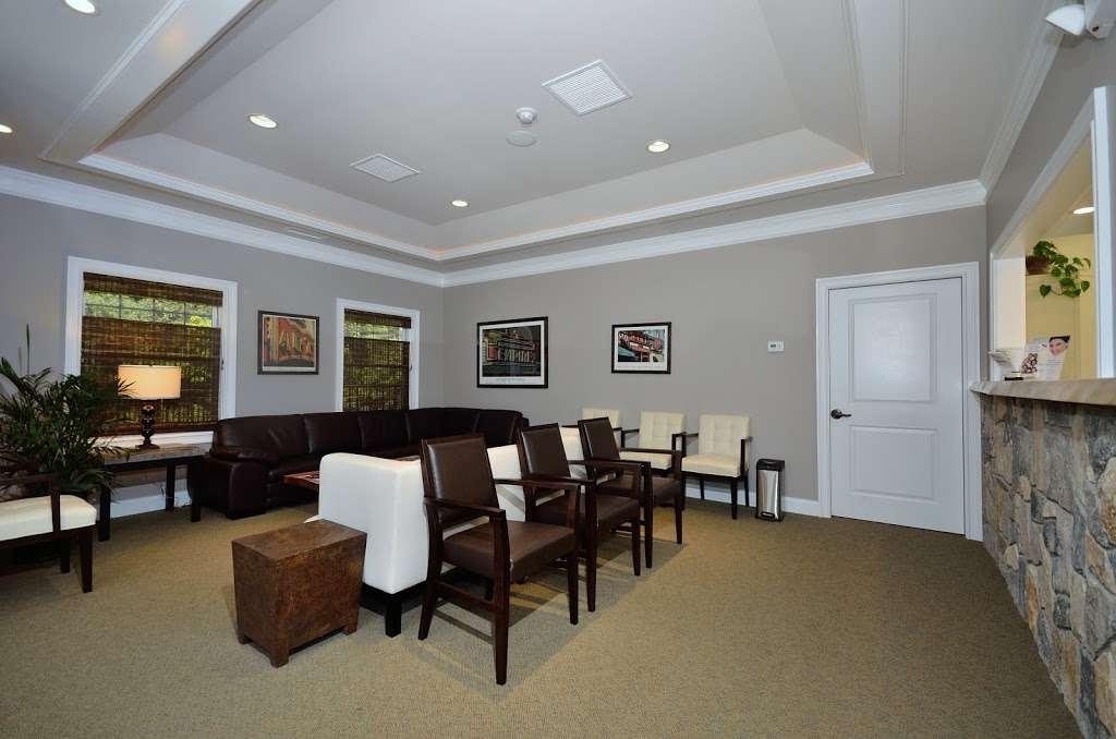 Danbury Oral & Maxillofacial Surgery Associates - Marshall Kurtz - dentist  | Photo 7 of 7 | Address: 487 Danbury Rd, New Milford, CT 06776, USA | Phone: (860) 355-4146
