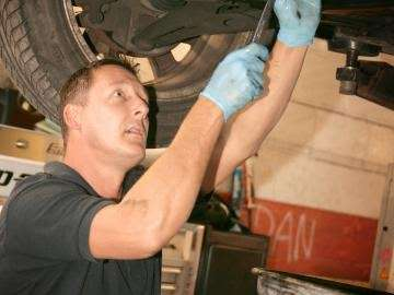 PTA Garage Services Godstone Motorstore - car wash  | Photo 6 of 10 | Address: Unit 2 Garage, Eastbourne Rd, South Godstone RH9 8EZ, UK | Phone: 01342 893666