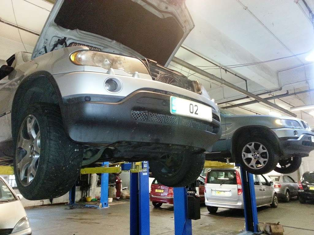 Auto Trans Tech UK - car repair    Photo 7 of 10   Address: 29 Thurrock Commercial Centre, Purfleet Industrial Park, Purfleet RM15 4YD, UK   Phone: 020 8539 5376