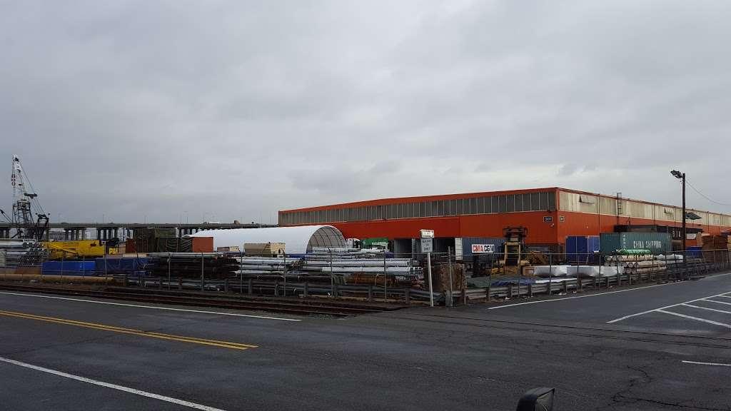 Harbor Freight Transport Corporation - moving company  | Photo 8 of 10 | Address: 301 Craneway St, Newark, NJ 07114, USA | Phone: (973) 589-6700