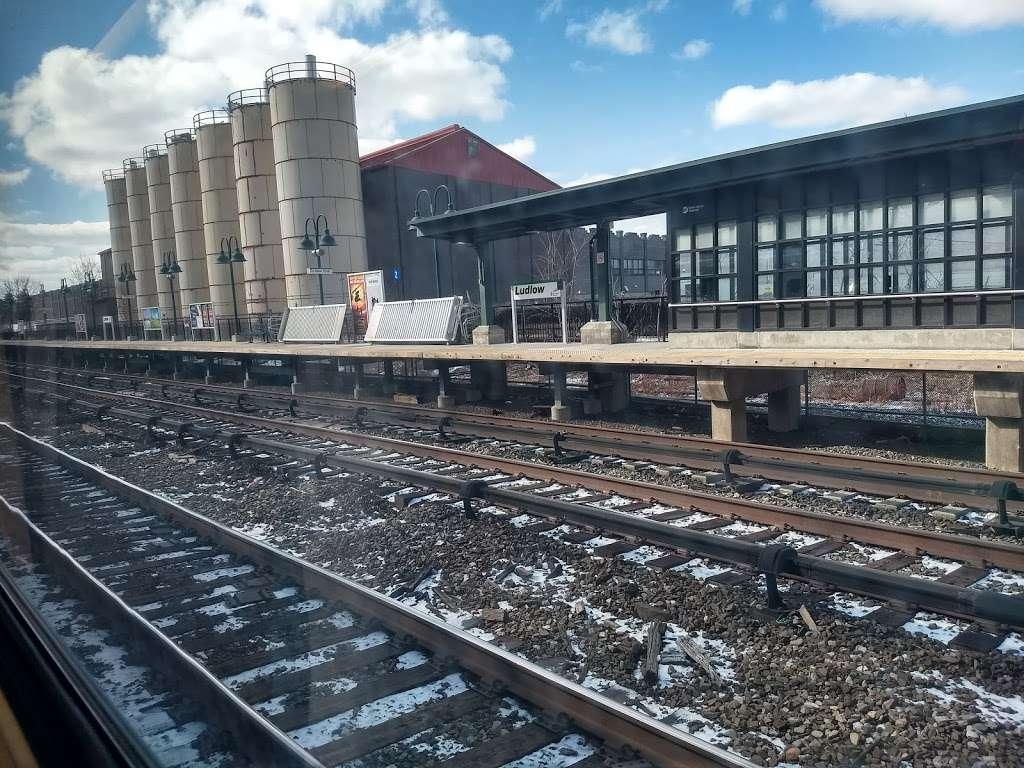 Ludlow - train station    Photo 8 of 10   Address: Yonkers, NY 10705, USA