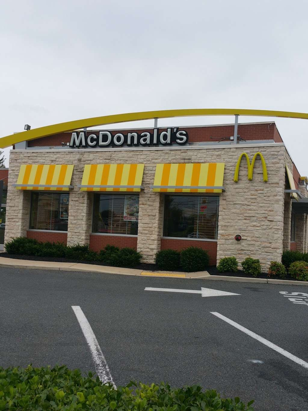 McDonalds - cafe  | Photo 2 of 10 | Address: 1 Red Pump Rd, Bel Air, MD 21014, USA | Phone: (410) 838-5129