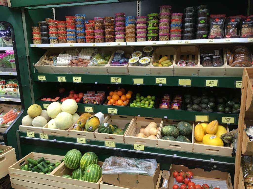 Raskins Fruit & Produce - store    Photo 1 of 10   Address: 335 Kingston Ave, Brooklyn, NY 11213, USA   Phone: (718) 756-3888