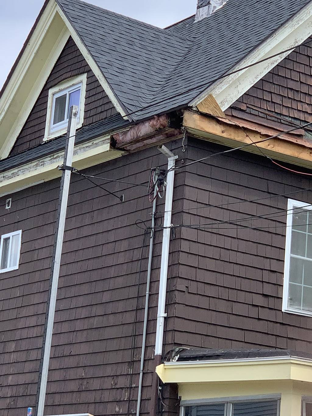 Recon Roofing & Gutters, LLC. - roofing contractor  | Photo 7 of 10 | Address: 41 Zoar Ave, Dedham, MA 02026, USA | Phone: (617) 924-1133