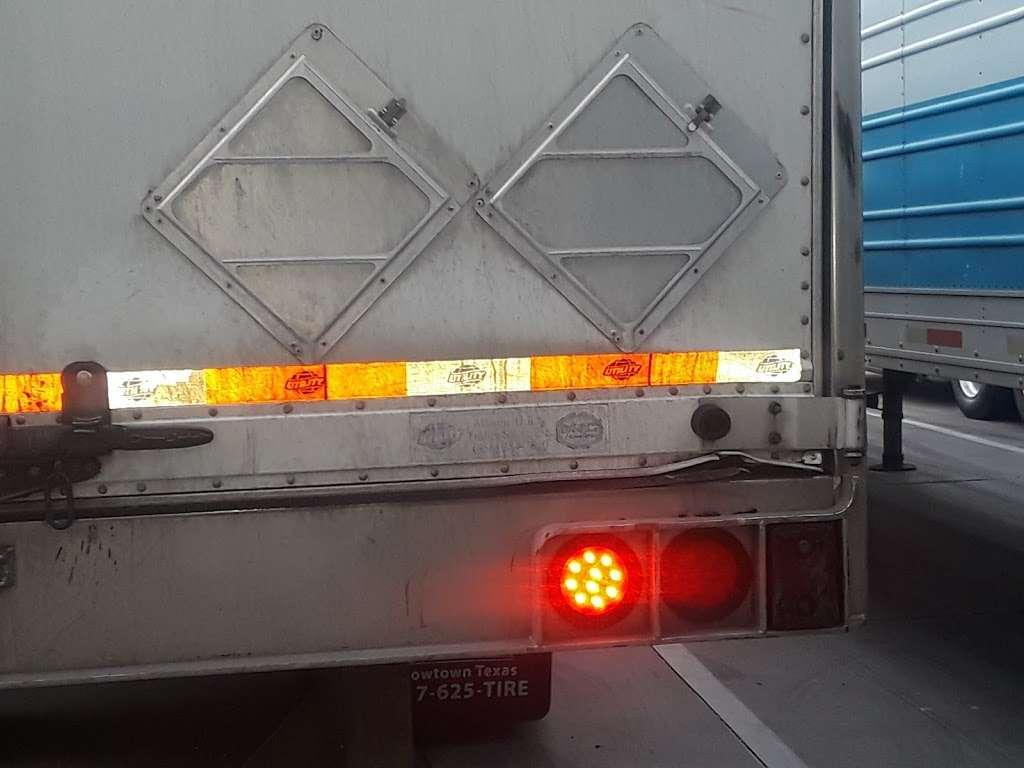 AmeriCold Logistics - storage  | Photo 4 of 10 | Address: 7600 W Van Buren St, Phoenix, AZ 85043, USA | Phone: (623) 907-3667