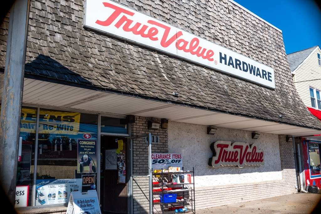 B & B True Value Hardware - hardware store  | Photo 4 of 10 | Address: 611 State Rd, Croydon, PA 19021, USA | Phone: (215) 785-3643