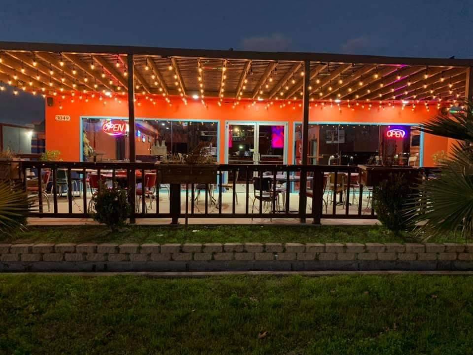 El Botanero Bar - restaurant  | Photo 1 of 10 | Address: 3049 W Northwest Hwy, Dallas, TX 75220, USA | Phone: (469) 399-0082