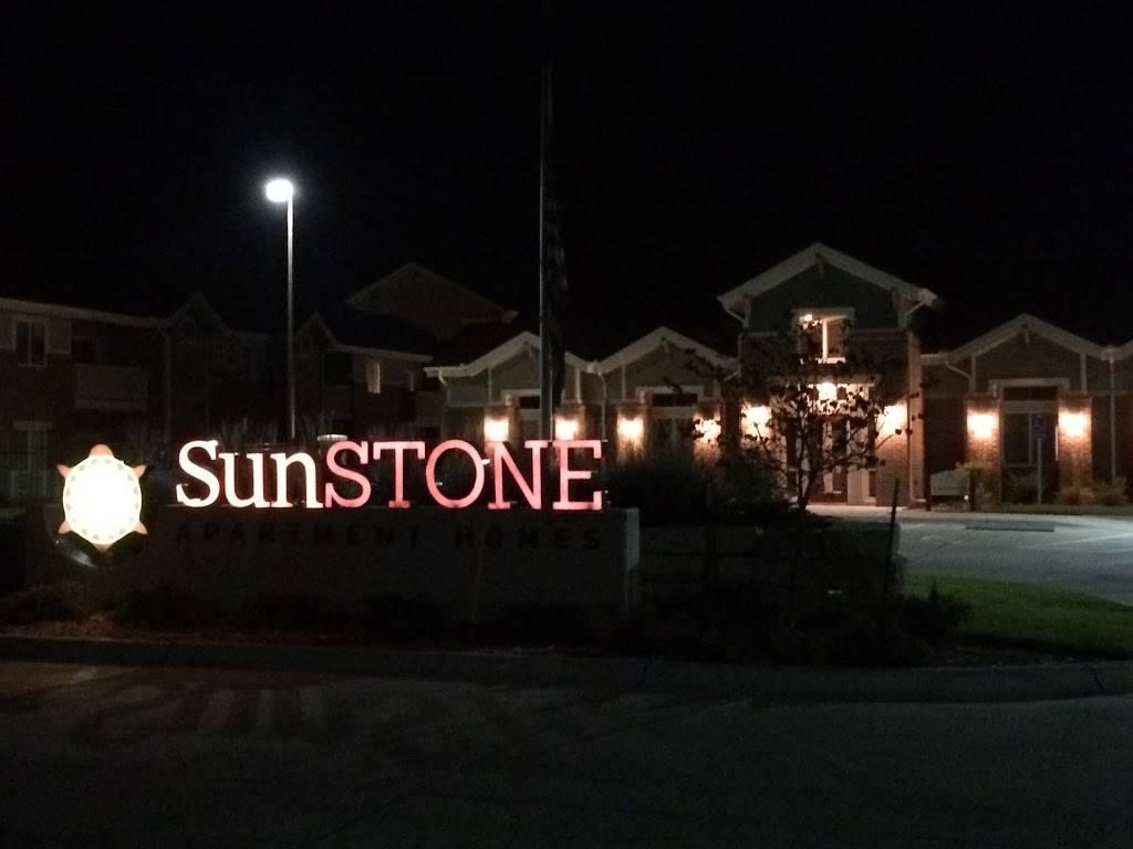 SunSTONE Apartment Homes at Fox Ridge - real estate agency    Photo 6 of 10   Address: 3540 N Maize Rd, Wichita, KS 67205, USA   Phone: (316) 558-5200