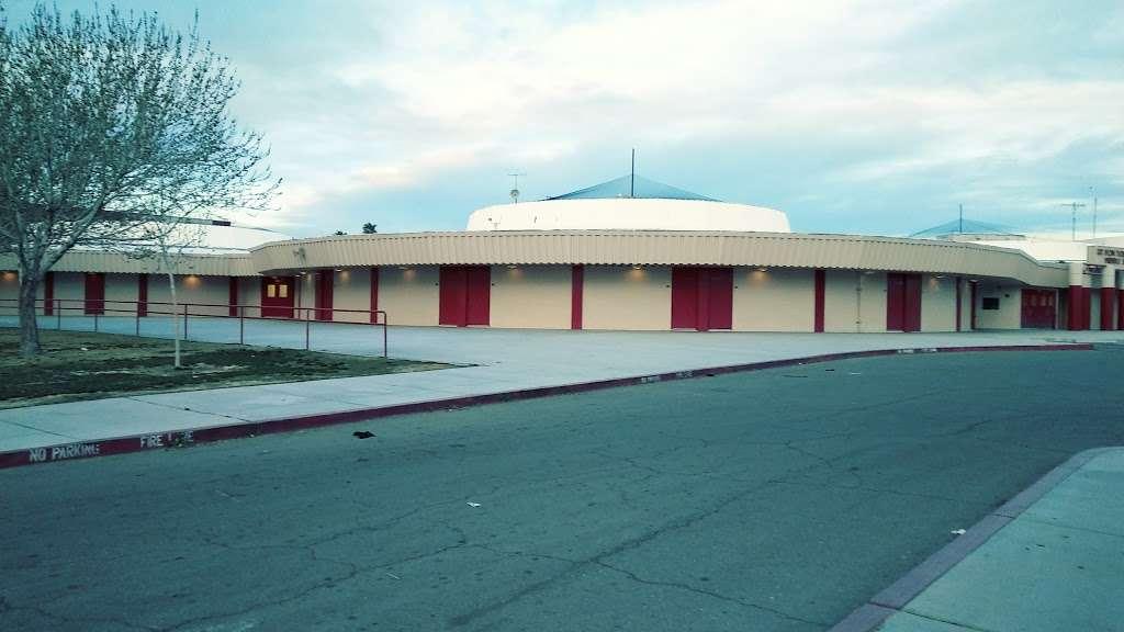 Ed Von Tobel Middle School - school  | Photo 2 of 10 | Address: 2436 N Pecos Rd, Las Vegas, NV 89115, USA | Phone: (702) 799-7280