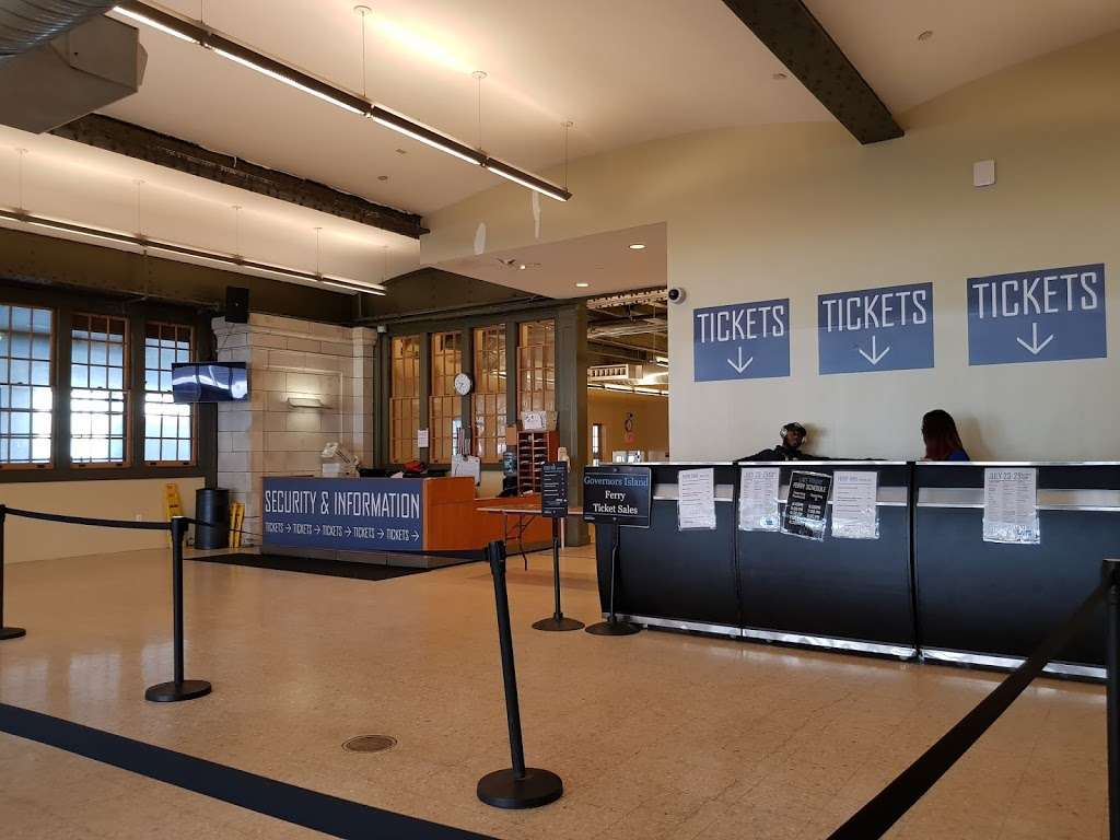 BMB - transit station  | Photo 4 of 10 | Address: 10 South St, New York, NY 10005, USA