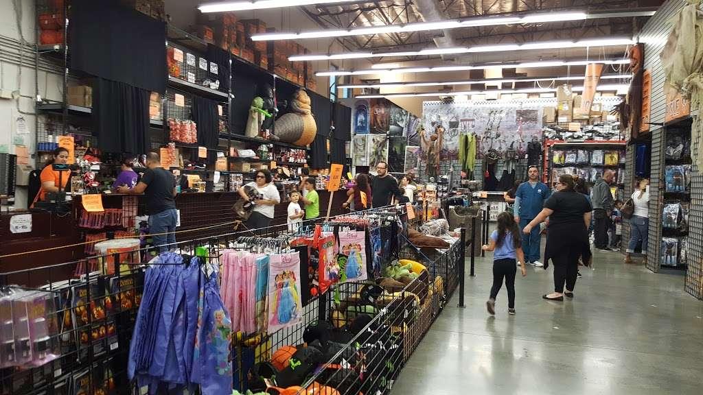 Halloween Club - home goods store  | Photo 4 of 10 | Address: 7107 Telegraph Rd, Montebello, CA 90640, USA | Phone: (323) 726-2226