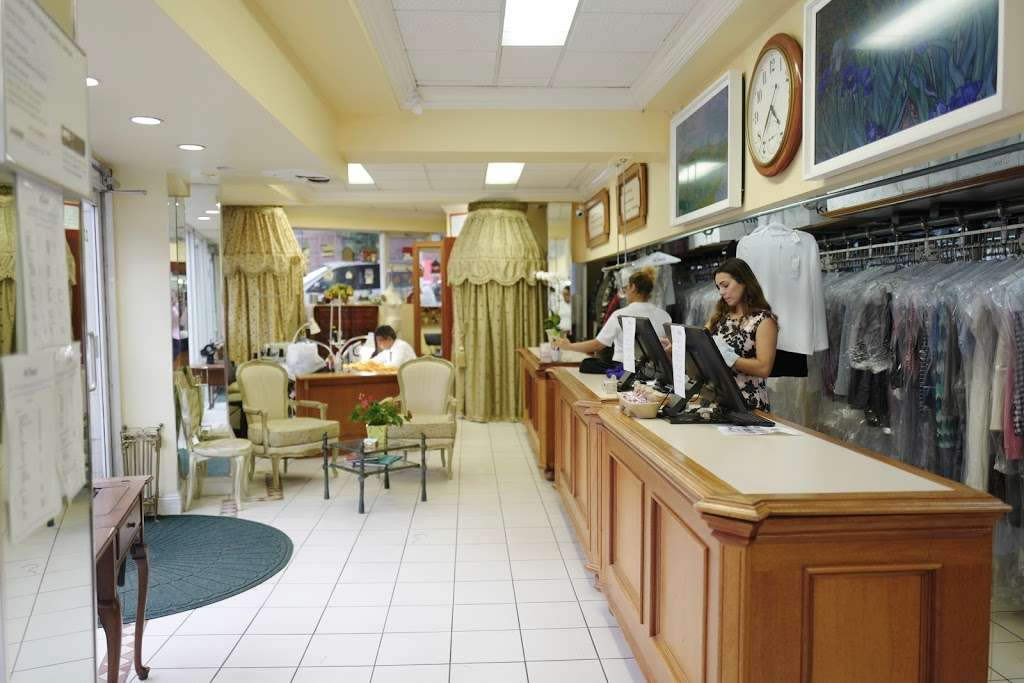 King Garment Care - laundry  | Photo 1 of 10 | Address: 220 6th Ave, New York, NY 10014, USA | Phone: (212) 989-3673