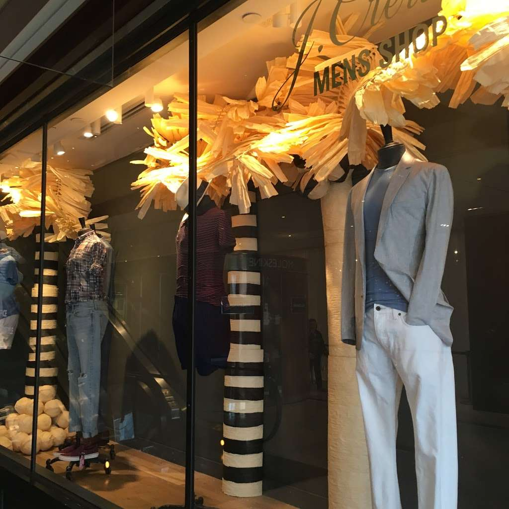 J.Crew Mens Shop - clothing store  | Photo 2 of 4 | Address: 10 Columbus Cir Space 207, New York, NY 10019, USA | Phone: (212) 956-1120