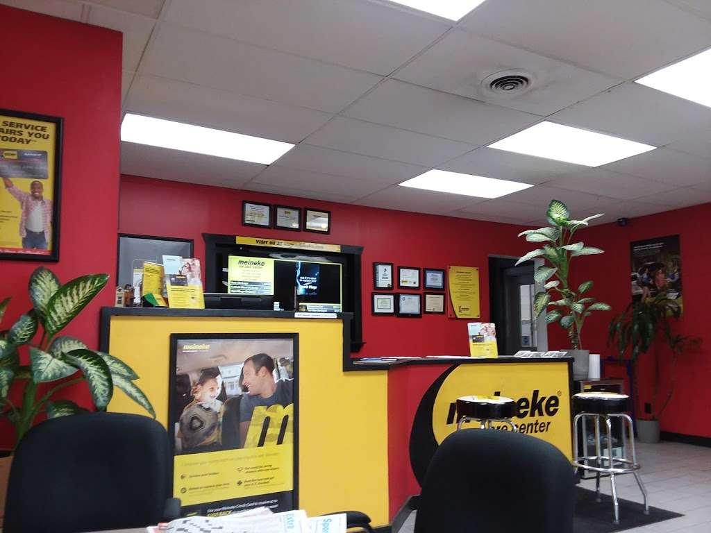 Meineke Car Care Center - car repair    Photo 4 of 10   Address: 1395 S 10th St, Noblesville, IN 46060, USA   Phone: (317) 678-0076