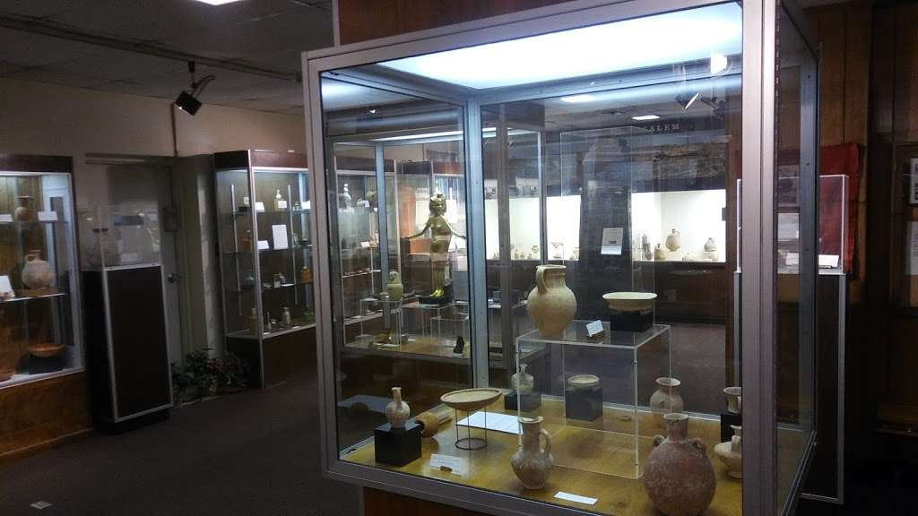 Jeeninga Museum - museum  | Photo 4 of 5 | Address: 1123 Anderson University Blvd, Anderson, IN 46012, USA | Phone: (765) 641-4526