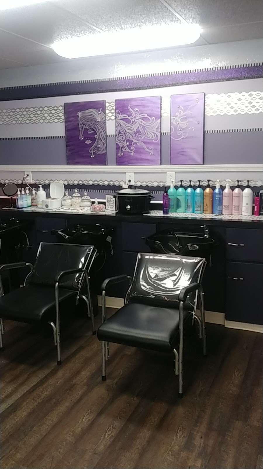 Salon 715 - hair care  | Photo 9 of 10 | Address: 715 N A St, Elwood, IN 46036, USA | Phone: (765) 552-9247