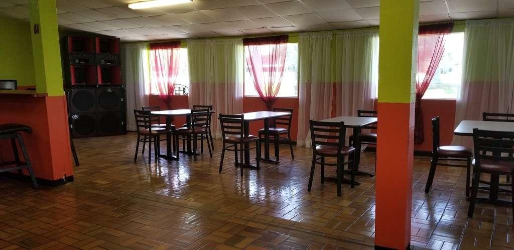 Flavors 27 restaurant &Bar - restaurant  | Photo 3 of 4 | Address: 510 US-27, South Bay, FL 33493, USA | Phone: (561) 708-8138
