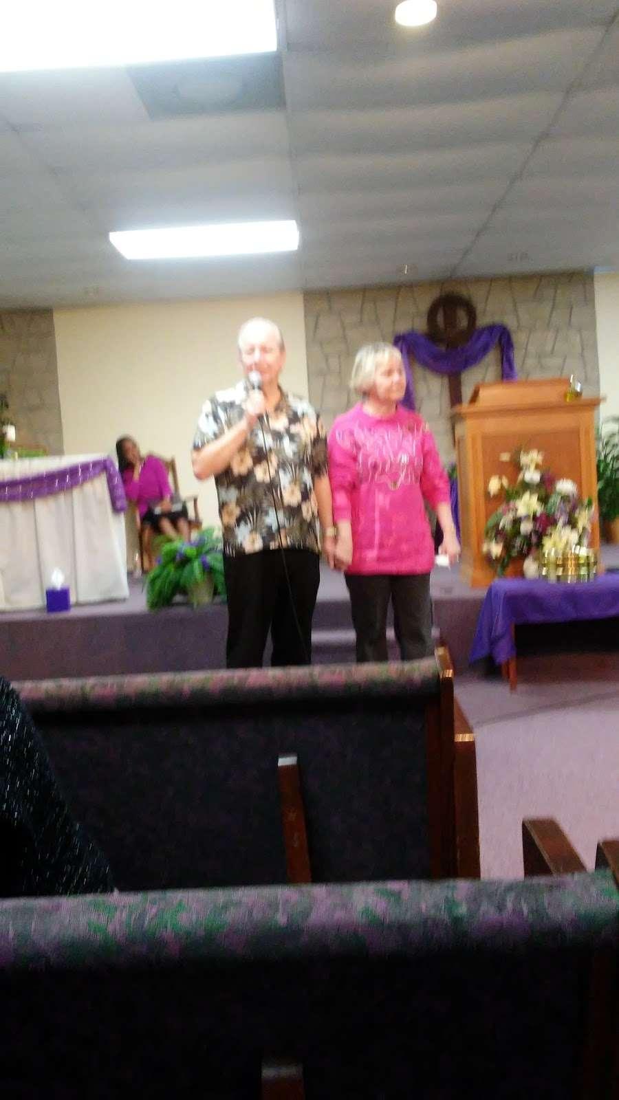 New Hope Fellowship - church  | Photo 7 of 10 | Address: 307 Deen Blvd, Auburndale, FL 33823, USA | Phone: (863) 967-4686