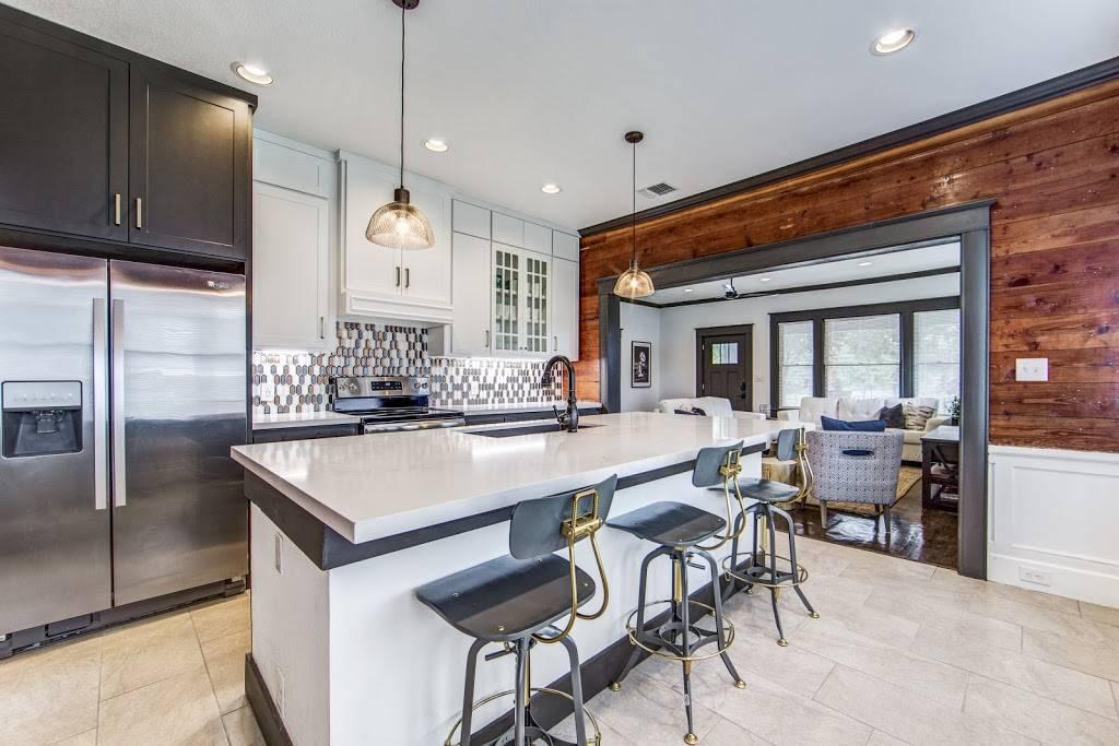 Stay SA Historic Vacation Rentals - real estate agency  | Photo 8 of 8 | Address: 233 Leigh St, San Antonio, TX 78210, USA | Phone: (210) 317-4076