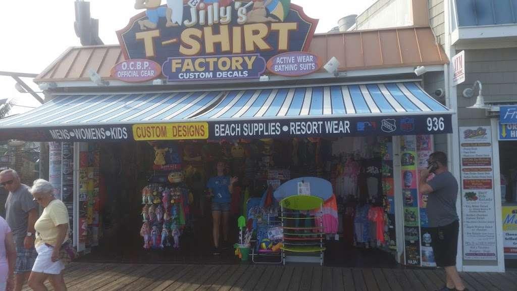 Jillys T-Shirt Factory, LLC - clothing store  | Photo 5 of 10 | Address: 762 Boardwalk, Ocean City, NJ 08226, USA | Phone: (609) 385-1234 ext. 2