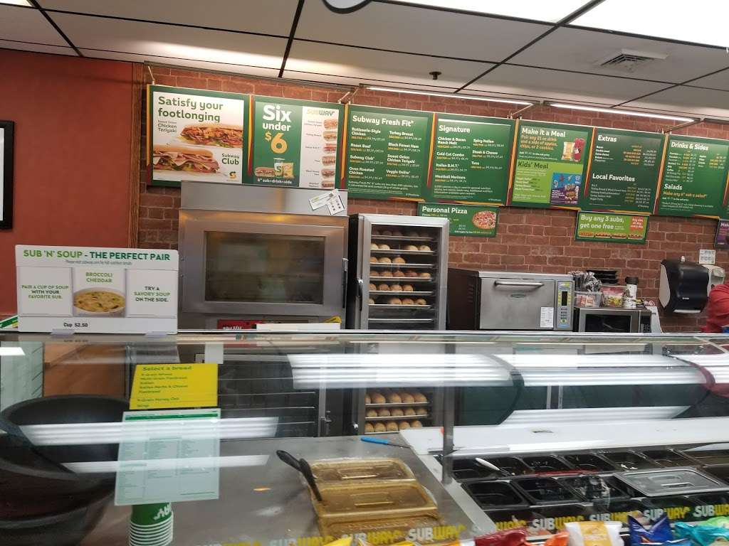 Subway - restaurant  | Photo 1 of 10 | Address: 4166 S 108th St, Milwaukee, WI 53228, USA | Phone: (414) 425-8000
