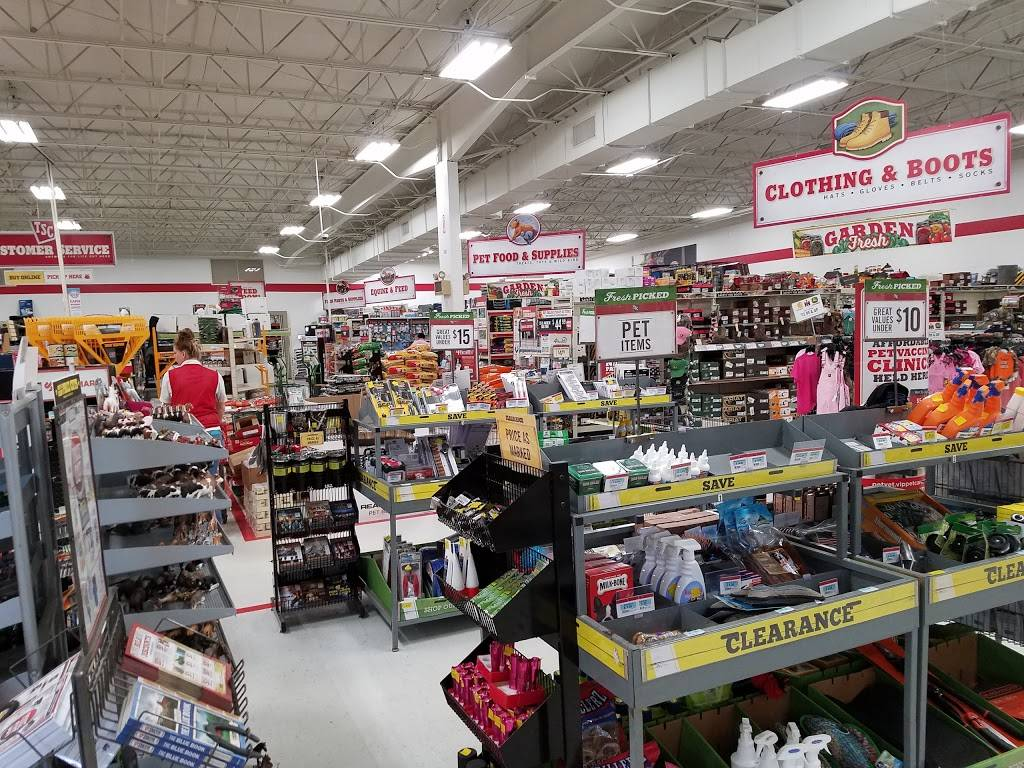 Tractor Supply Co., 32 Mammoth Dr, Knightdale, NC 32, USA