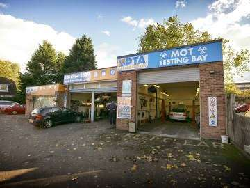 PTA Garage Services Bromley - car repair  | Photo 3 of 10 | Address: 40 Letchworth Dr, Bromley BR2 9BE, UK | Phone: 020 8464 2339