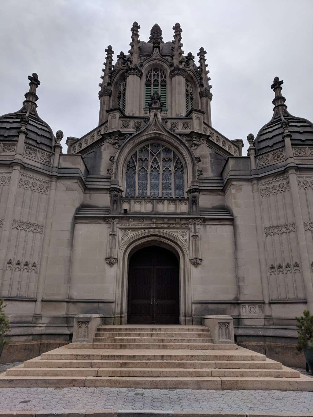 Green-Wood Cemetery Chapel - cemetery  | Photo 9 of 10 | Address: 500 25th St, Brooklyn, NY 11232, USA | Phone: (718) 768-7300
