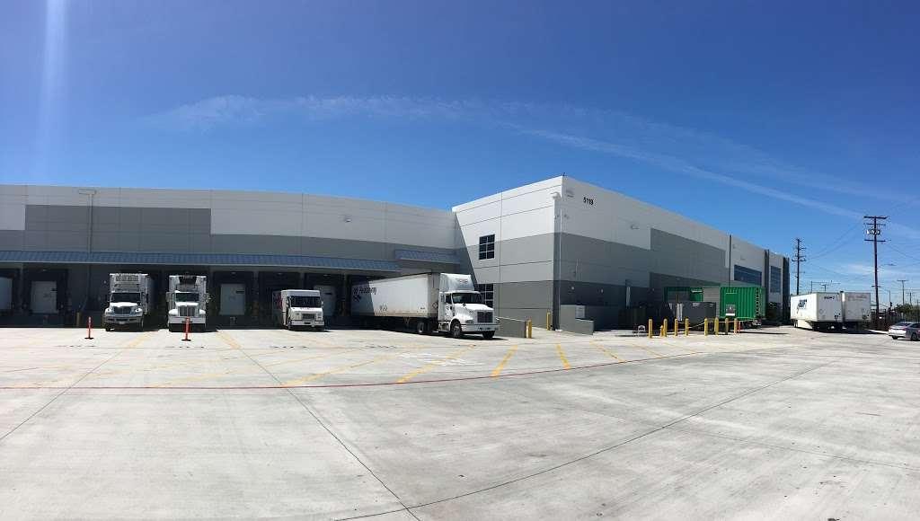 Amazon Fresh (LAX6) - storage  | Photo 3 of 10 | Address: 5119 District Blvd #100, Vernon, CA 90058, USA