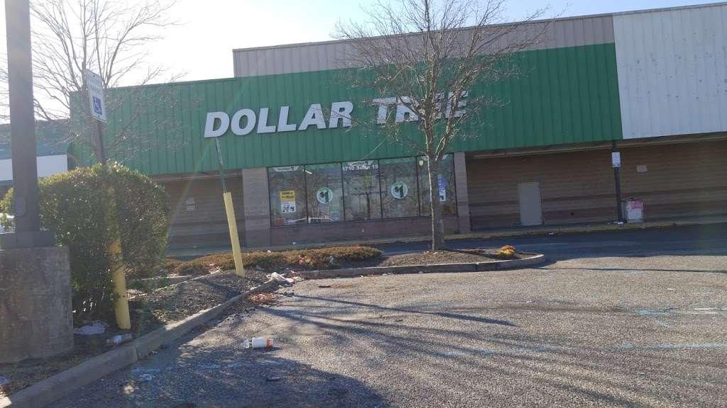 Dollar Tree - furniture store  | Photo 5 of 7 | Address: 1710 NJ-38, Mt Holly, NJ 08060, USA | Phone: (609) 267-7510