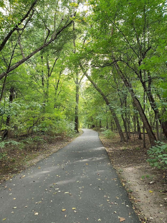 Saddle River Bike Path Parking 3 - park  | Photo 8 of 10 | Address: 760 Saddle River Rd, Saddle Brook, NJ 07663, USA