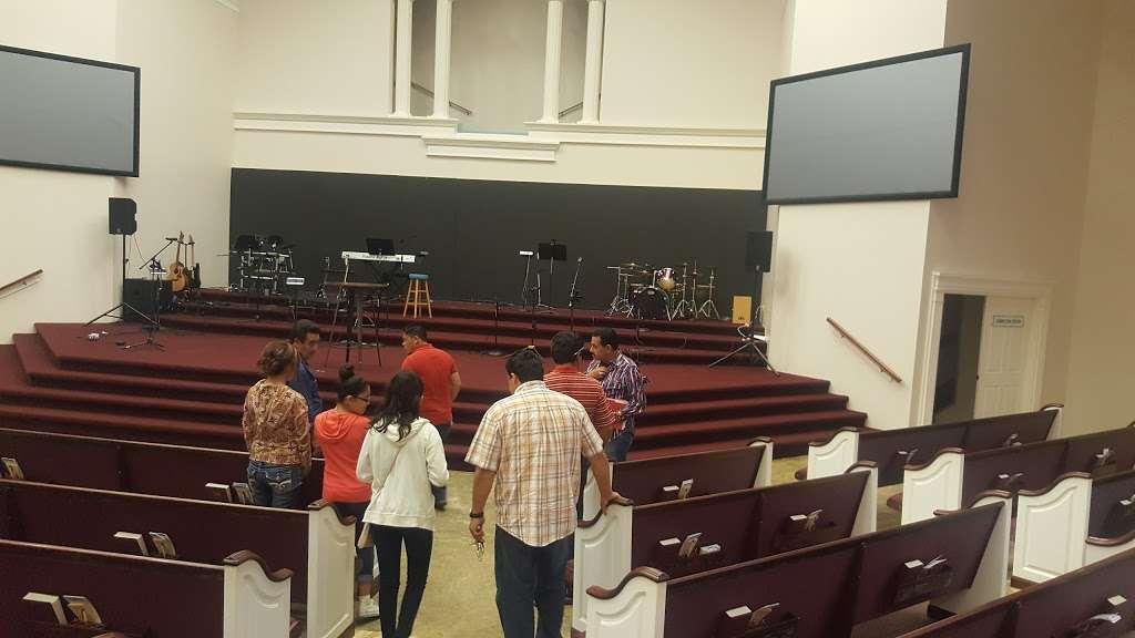 Templo Poder y Gozo - church  | Photo 6 of 10 | Address: 4401 Theiss Rd, Humble, TX 77338, USA | Phone: (281) 591-6716