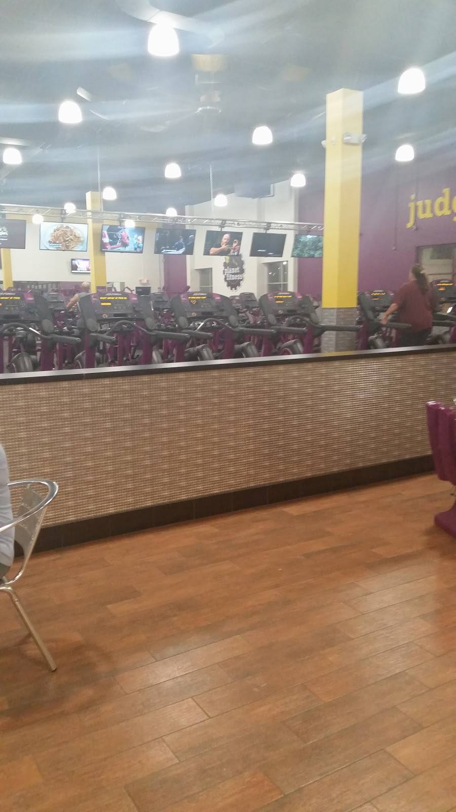 Planet Fitness - gym  | Photo 6 of 8 | Address: 60 Coon Rapids Blvd NW, Coon Rapids, MN 55448, USA | Phone: (763) 784-7677