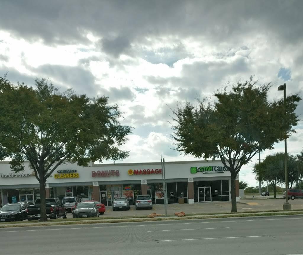 Sonny Donuts - bakery  | Photo 3 of 3 | Address: 3751 Main St #800, The Colony, TX 75056, USA | Phone: (972) 370-0700