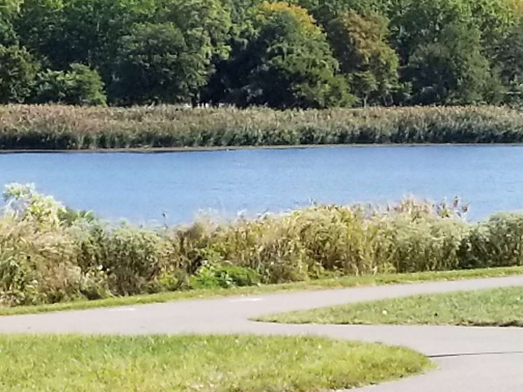 Overpeck County Park - park  | Photo 4 of 10 | Address: 40 Fort Lee Rd, Leonia, NJ 07605, USA | Phone: (201) 336-7275