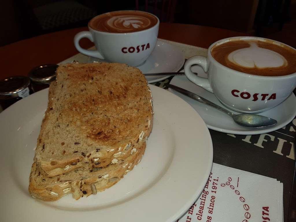 Costa Coffee - cafe  | Photo 6 of 10 | Address: UO49, Bluewater Pkwy, Dartford DA9 9SQ, UK | Phone: 01322 427626