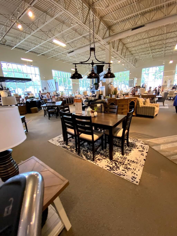 Ashley HomeStore - furniture store  | Photo 8 of 8 | Address: 2615 Vildibill Dr, Brandon, FL 33510, USA | Phone: (813) 654-5955