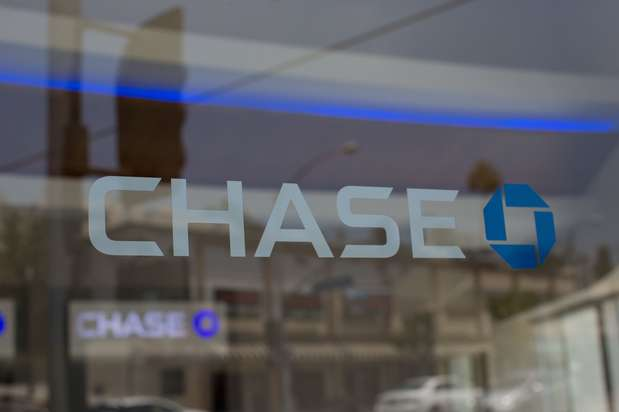 Chase Bank - bank  | Photo 5 of 6 | Address: 450 Plaza Dr, Secaucus, NJ 07094, USA | Phone: (201) 348-9204