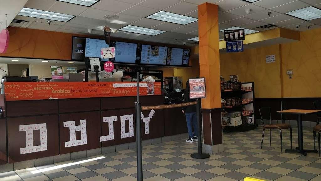 Dunkin - cafe  | Photo 6 of 10 | Address: 1 Hudson Pl, Hoboken, NJ 07030, USA | Phone: (201) 656-6061