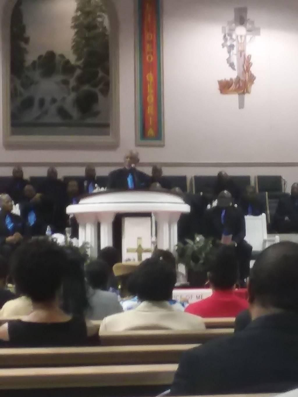 Mount Hermon Missionary Baptist Church - church  | Photo 7 of 9 | Address: 2283 Sunbury Rd, Columbus, OH 43219, USA | Phone: (614) 471-1133