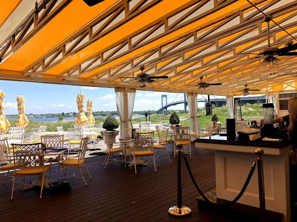 Trump Golf Links, Ferry Point - restaurant  | Photo 3 of 10 | Address: 500 Hutchinson River Pkwy, Bronx, NY 10465, USA | Phone: (718) 414-1555