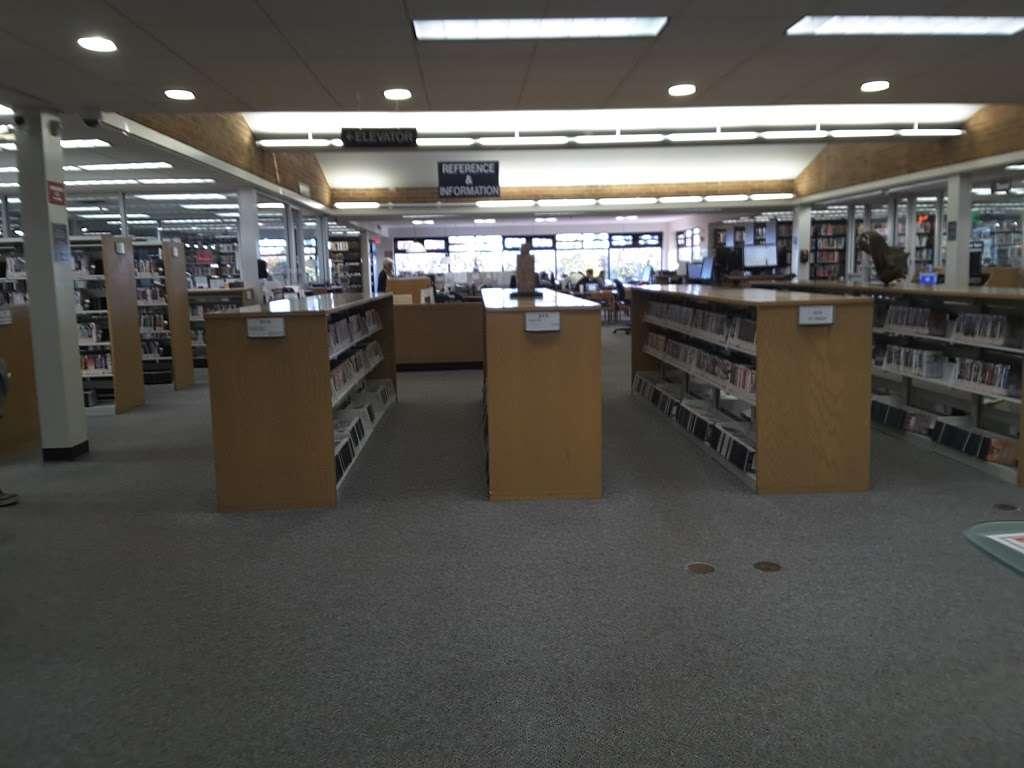 Jericho Public Library - library  | Photo 8 of 10 | Address: 1 Merry Ln, Jericho, NY 11753, USA | Phone: (516) 935-6790