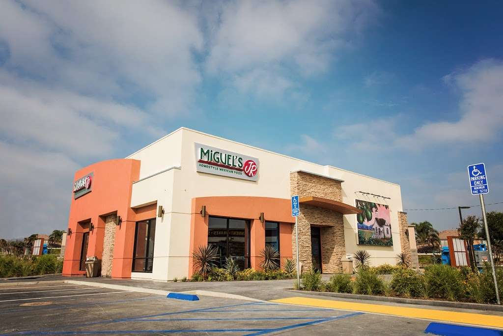 Miguels Jr | restaurant | 13382 Limonite Ave, Eastvale, CA 92880, USA