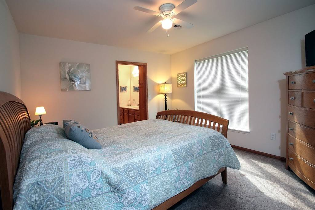Door Creek Apartments - real estate agency  | Photo 6 of 8 | Address: 925 Harrington Dr, Madison, WI 53718, USA | Phone: (608) 216-0600