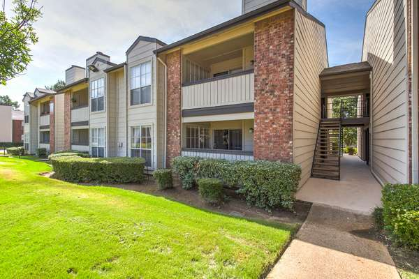 Creekwood Apartments - real estate agency  | Photo 6 of 10 | Address: 4208 W Pioneer Dr, Irving, TX 75061, USA | Phone: (972) 258-5935